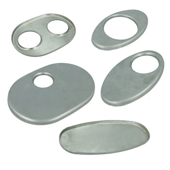 Stainless steel end plate for exhaust mufflers